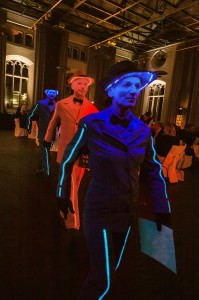 iLLumiSmartie Walking Act | Messe-Blickfang | Living Dolls und Pantomime für Events & Veranstaltungen | Caracho Event-Theater aus Köln