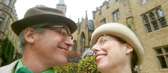 Walter und Elfriede entdecken Burgen und Schlösser – Drück mich der FreeHug Walkact