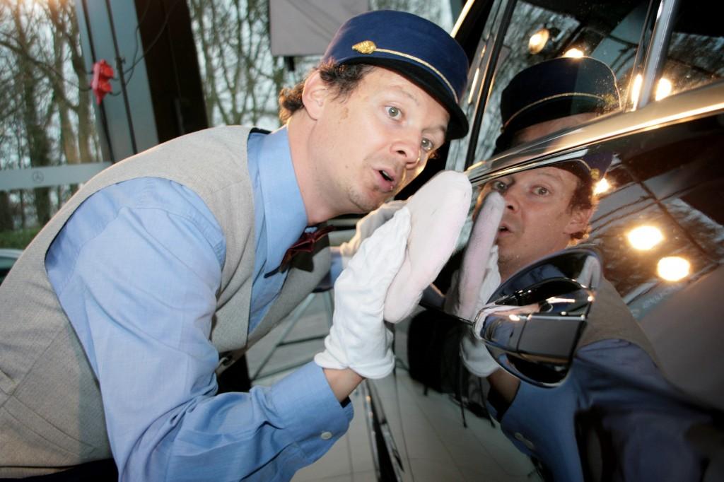 Autoflüsterer - Walking Act | Autohaus- & Fahrzeugpräsentation | Perfektes Infotainment für Autohäuser & Automessen mit Animation und Entertainment | Caracho Event-Theater aus Köln