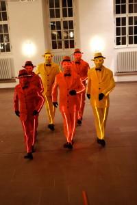 iLLumiSmartie Walking Act | Messe-Blickfang | Living Dolls für Events & Veranstaltungen | Caracho Event-Theater aus Köln