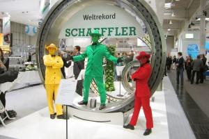 Walking Act | Smarties | Pantomime | Blickfang auf Events und Messen | Farbenmenschen | Caracho Event-Theater aus Köln